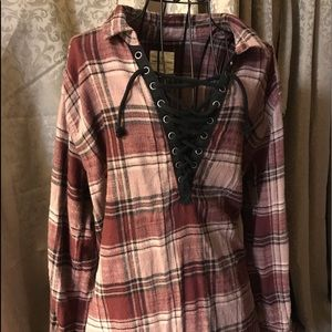American Eagle flannel V neck lace up pullover